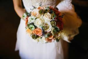Textural and romantic wedding bouquet